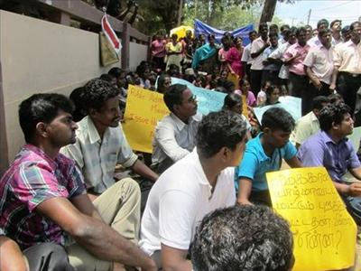 Unemployed graduates protest in Jaffna, UPFA dominates public sector employment